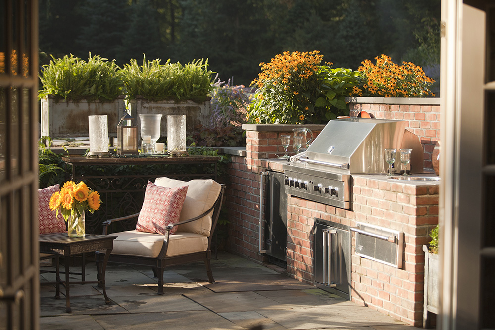 6 Design Elements for a Party-Perfect Outdoor Space